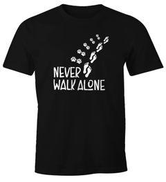 Herren T-Shirt Never walk alone Hund Pfoten Hundepfoten Pfotenabdrücke Hundebesitzer Fun-Shirt Moonworks®